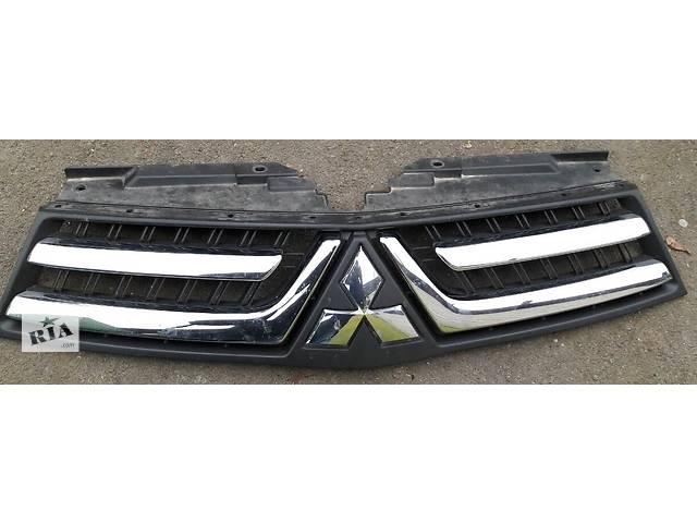 купить бу Б/у решётка радиатора для легкового авто Mitsubishi L 200 в Киеве