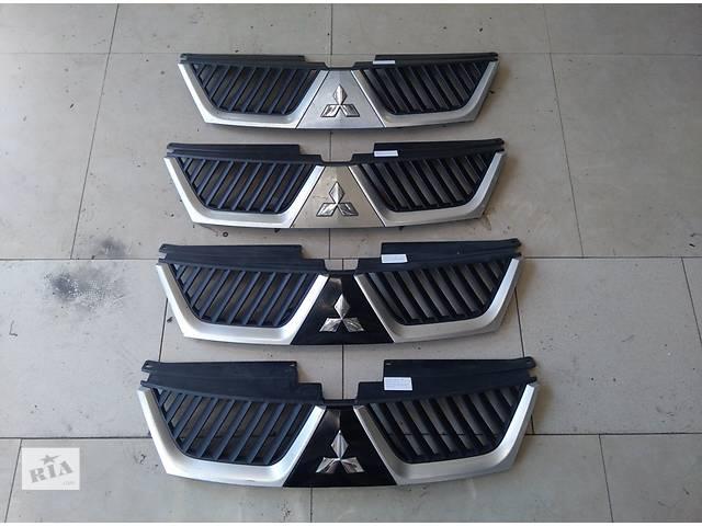 купить бу Б/у решётка радиатора для легкового авто Mitsubishi Outlander XL 2007-2010 в Львове