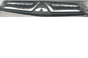б/у Решётки радиатора Mitsubishi Pajero Sport