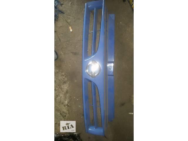 продам Б/у решётка радиатора для легкового авто Nissan Primastar бу в Ковеле