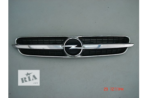 б/у Решётки радиатора Opel Zafira