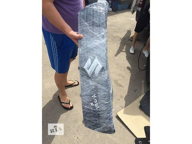 продам Б/у решётка радиатора для легкового авто Suzuki Grand Vitara бу в Ровно