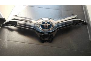 б/у Решётки радиатора Toyota Auris