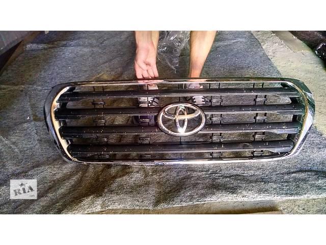 продам Б/у решётка радиатора для легкового авто Toyota Land Cruiser 200 бу в Киеве