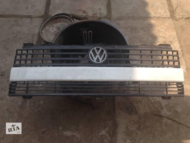 продам Б/у решётка радиатора для легкового авто Volkswagen T4 (Transporter) бу в Мукачево