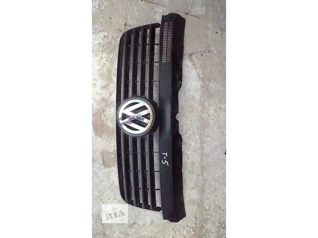 продам Б/у решётка радиатора для легкового авто Volkswagen T5 (Transporter) бу в Яворове (Львовской обл.)