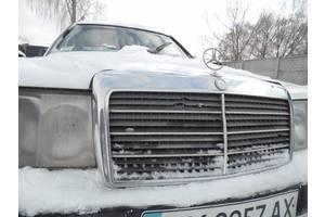 б/у Решётки радиатора Mercedes 124