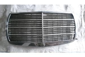 б/у Решётки радиатора Mercedes 126