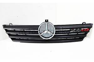 б/у Решётки радиатора Mercedes 208 груз.