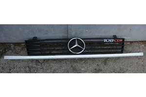 б/у Решётка радиатора Mercedes Vito груз.