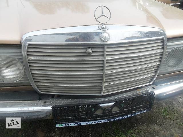 продам Б/у решётка радиатора для седана Mercedes 123 бу в Дубно (Ровенской обл.)