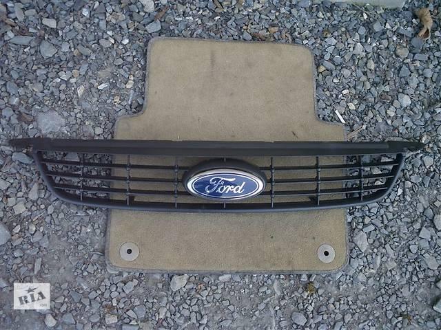 продам Б/у решётка радиатора Ford Focus бу в Киеве