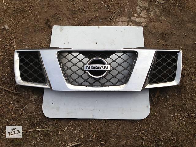 купить бу Б/у решётка радиатора Nissan Pathfinder в Киеве