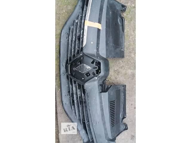 продам Б/у решетка радиатора рено логан 15г бу в Кременчуге