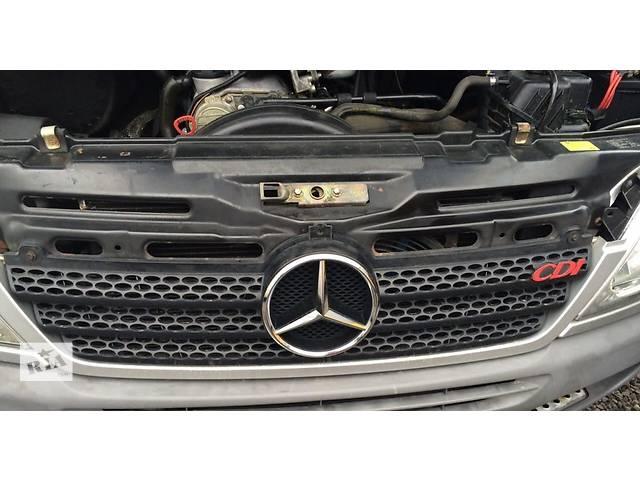 купить бу Б/у решётка радиатора, решетка бампера 2.2, 2.7 CDi Mercedes Sprinter Мерседес Спринтер W 903, 901 в Ровно