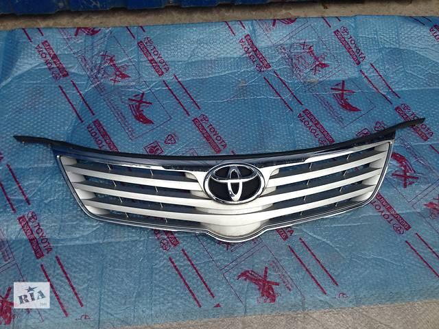 купить бу Б/у Решётка радиатора Toyota Avensis в Киеве