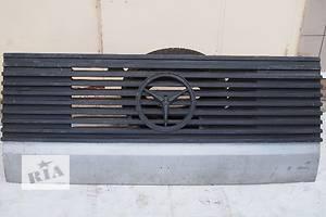 б/у Решётки радиатора Mercedes 1117