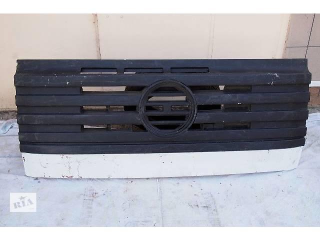 продам Б/у решетка радиатора для грузовика Mercedes 641 1996рв размер 170смх70см комплектная с металлической основой бу в Черновцах