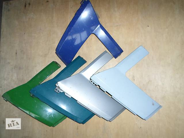 продам Б/у Ресничка Накладка под правую фару Фольксваген Крафтер 2006-2012 Volkswagen Crafter бу в Луцке