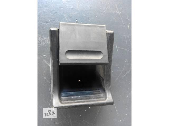 купить бу Б/у ручка двери боковой сдвижной внутренняя 2.2, 2.7 CDi Mercedes Sprinter 903, 901 (96-06гг) 208 - 616 в Ровно