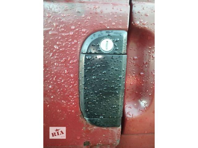 купить бу Б/у ручка наружная передней левой двери для легкового авто Volkswagen T4 (Transporter) в Ковеле