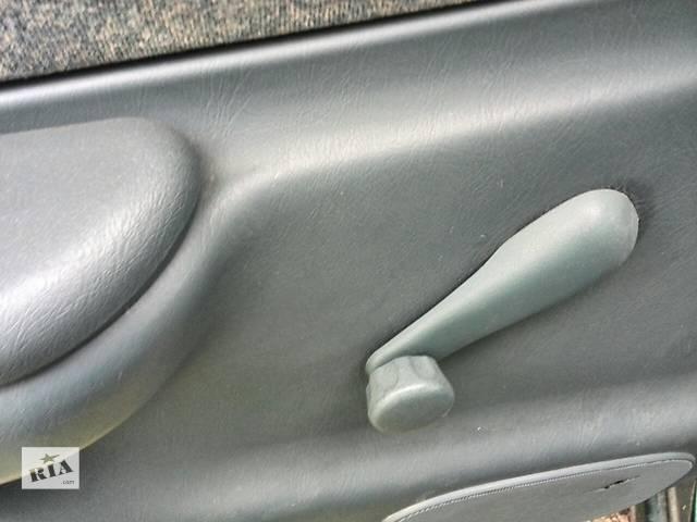 бу Б/у ручка стеклоподъемника задней двери 69260-05010-B1 для седана Toyota Avensis 1999г в Киеве