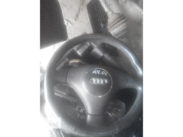 купить бу Б/у руль для легкового авто Audi A4 2003 в Львове