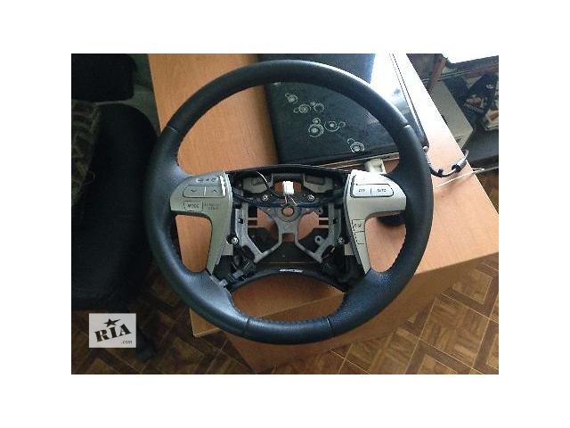 купить бу Б/у руль для легкового авто Toyota Camry 2009 в Киеве