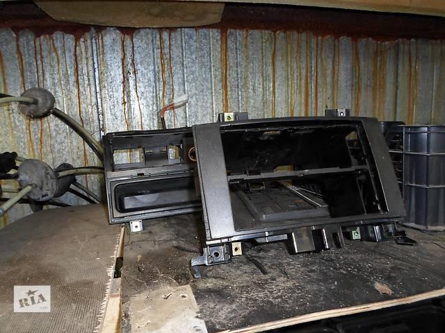 Б/у Шахта магнитоллы Volkswagen Crafter Фольксваген Крафтер 2.5 TDI 2006-2010- объявление о продаже  в Рожище