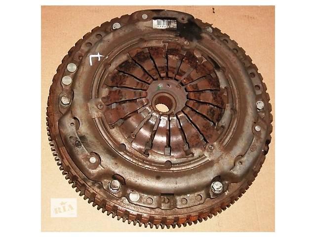купить бу Б/у Щеплення демпферне сцепление на 5,6 ступку Renault Kangoo Кенго 1,5 DCI 2008-2012 в Рожище