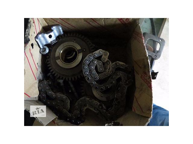 купить бу Б/у шестерни, цепь, натяжитель для  Mercedes двигатель OM651 в Виннице
