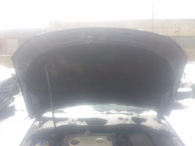 купить бу Б/у Шумка капота Volkswagen Passat B6 2005-2010 1.4 1.6 1.8 1.9d 2.0 2.0d 3.2 Идеал Гарантия!!! в Львове