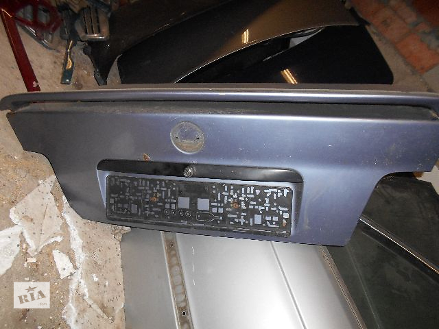 купить бу Б/у спойлер для седана BMW 3 Series (все) 1997 в Луцке