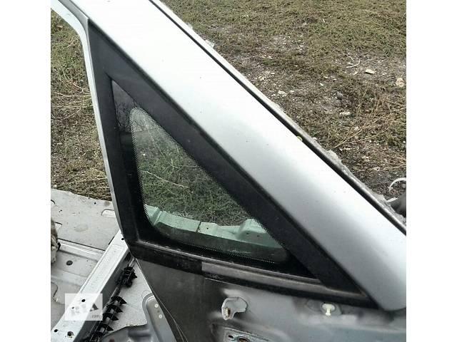 продам Б/у стекло боковое переднее правое 6211048030  для кроссовера Lexus RX 300(I) 2002г бу в Николаеве