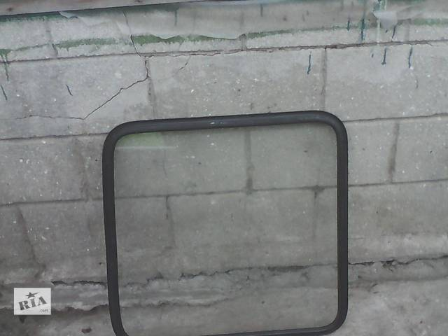 продам Б/у стекло двери для автобуса Mercedes Sprinter бу в Одессе