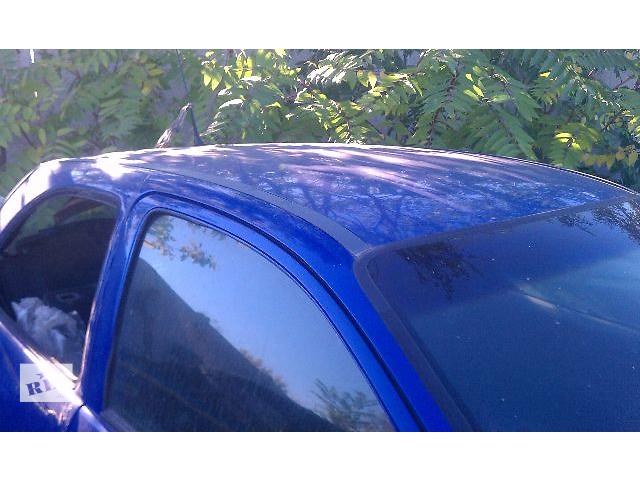 продам Б/у стекло двери для хэтчбека Opel Corsa B 1992 бу в Киеве