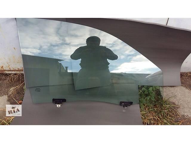 купить бу Б/у стекло двери для легкового авто Toyota Hilux в Киеве