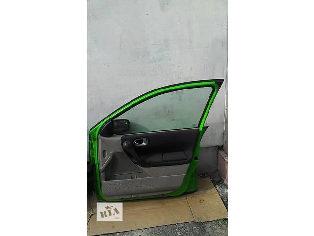 продам Б/у стекло двери для универсала Renault Megane II бу в Ковеле