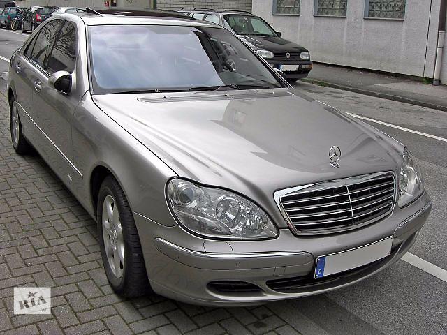 купить бу Стекло двери б/у переднее, заднее, правое, левое для  Mercedes S320 2003-2006 W220 рестайлинг в Ивано-Франковске