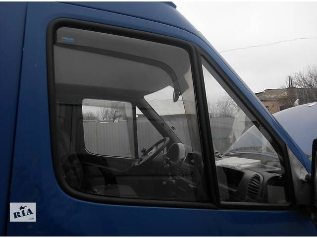 бу Б/у стекло двери передние Mercedes Sprinter Мерседес Спринтер 903, 2.2; 2.7 CDI OM611; 612 (2000-2006 г) в Ровно