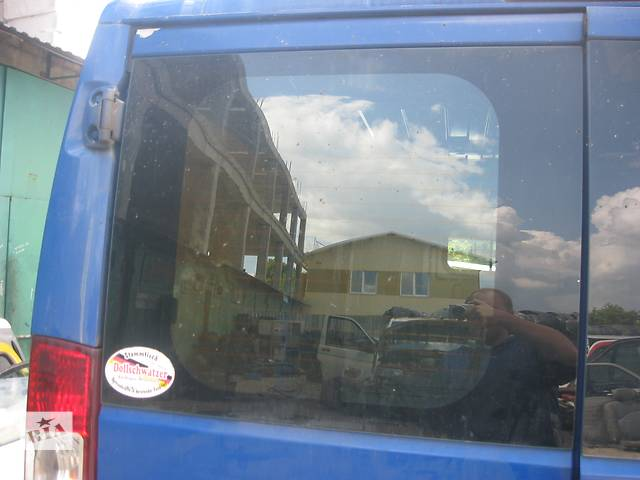 продам Б/у стекло двери Peugeot Boxer 2006- бу в Ровно