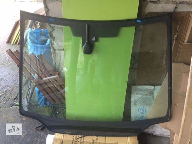 продам Б/у стекло лобовое/ветровое для легкового авто Honda Civic 5d 2008 бу в Киеве