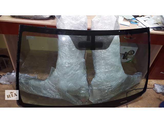 продам Б/у стекло лобовое/ветровое для легкового авто Toyota Rav 4 бу в Ровно