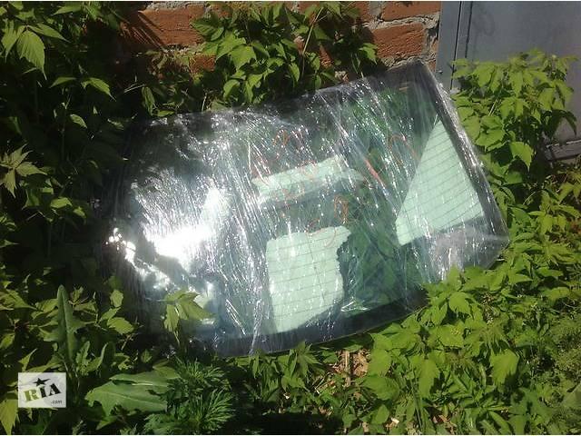 продам Б/у стекло в кузов для легкового авто Mazda 3 бу в Ровно