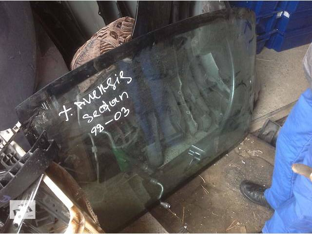 продам Б/у стекло в кузов для легкового авто Toyota Avensis бу в Ровно
