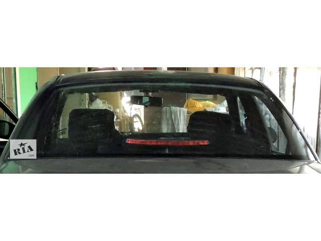 Б/у стекло в кузов для седана Suzuki Baleno- объявление о продаже  в Одессе