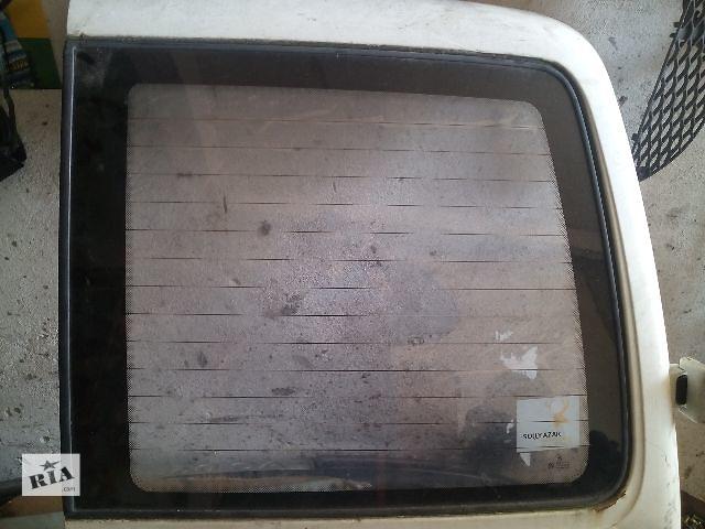Б/у стекло задней правой двери для легкового авто Volkswagen T4 (Transporter)- объявление о продаже  в Ковеле