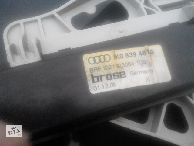 бу Б/у стеклоподъемник для легкового авто Audi A4 Avant 2010 в Львове