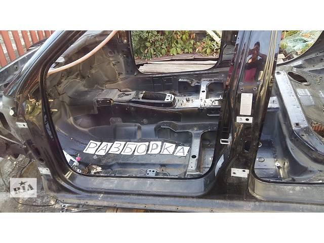 продам Б/у стойка кузова средняя для универсала Audi A6 Avant бу в Киеве