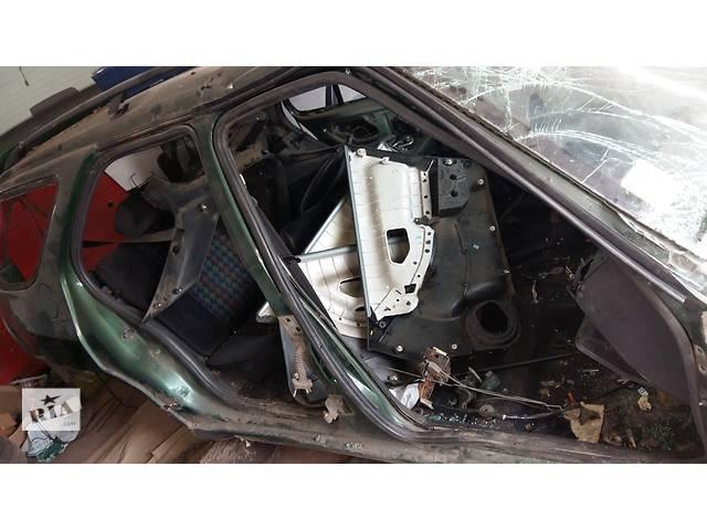 купить бу Б/у стойка кузова средняя для универсала Peugeot 306 в Ровно
